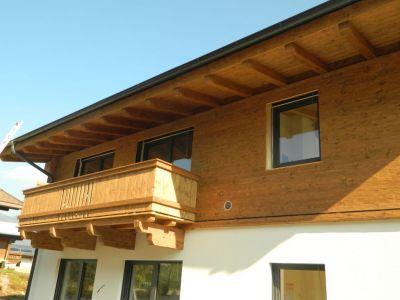 Balkon In Rustikaler Altholzoptik, Gehackt, Gebürstet