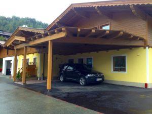 Carport vor der Haustüre