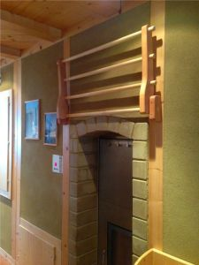 Holzhaus mit Lehm