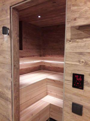 Sauna, Bänke Aus Zirbenholz