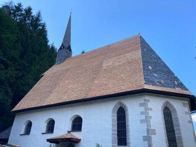 Schindeleindeckung Adolarikirche (1)