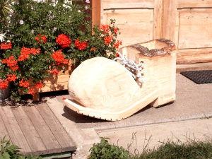 Holzschuh als Blumentopf