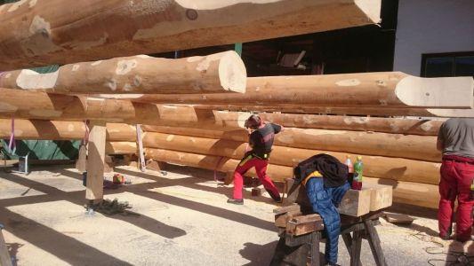 Vorfertigung Blockhaus In Kanadischer Naturstammbauweise 1